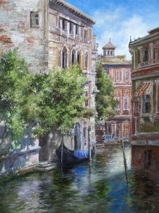 In the shadow of the canal. Venice